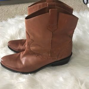 Franco Sarto leather western pull on boots 9